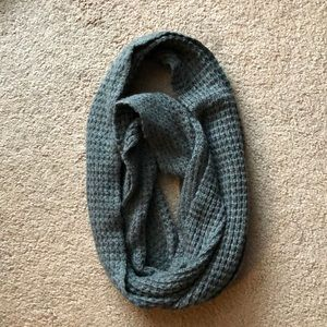 Accessories - Knit grey scarf